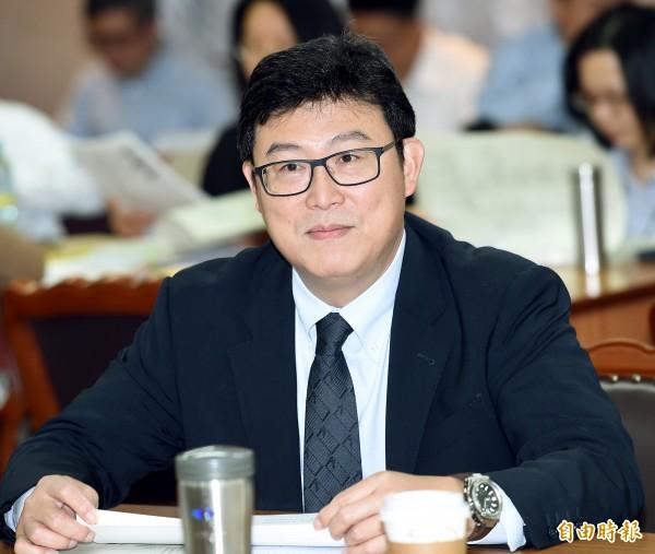 有意爭取民進黨內提名角逐台北市長的姚文智,日前推出首支3D政策影片「翻轉西區SKYLINE」,至今累計逾40萬人次點閱觸及。(記者方賓照攝)