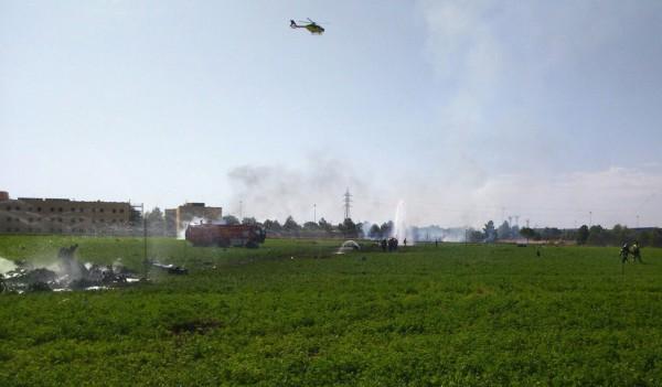 戰機在馬德里東南部約300公里處的阿爾瓦塞特(Albacete)的農田墜毀。(美聯社)