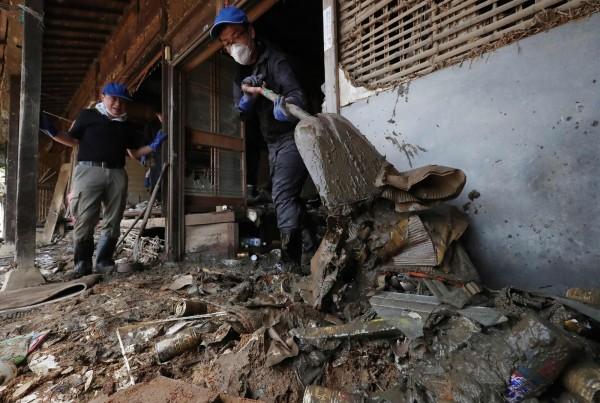 當被定為「極嚴重災害」後,地方政府災後重建時,獲得的國家補助將提高。(法新社)