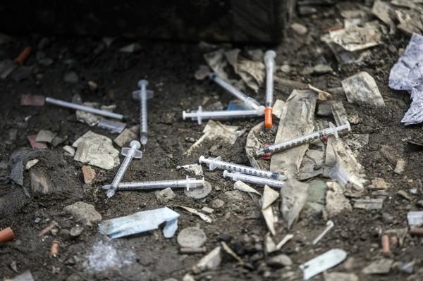 挪威政府今(10)日下令衛生和社會事務局開始起草,針對海洛因嚴重成癮且難以治療者,提供免費的「海洛因輔助療法」。(美聯社)