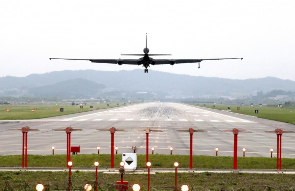 美國與南韓上週起展開「大雷霆」聯合軍演,疑似引發北韓不滿,不但無預警取消今日的兩韓會談,甚至揚言讓「川金會」流產。(美聯社)