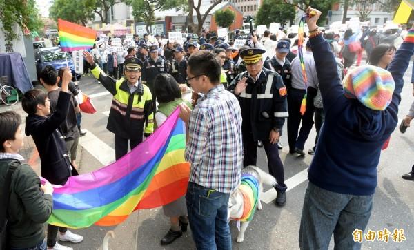 唐鳳受訪時指出,支持婚姻平權、反對婚姻平權的民眾,兩邊想要捍衛的價值並不是不相容的,且都能鞏固大家對於婚姻的了解。(資料照,記者林正堃攝)