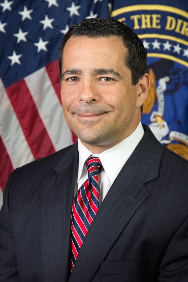 美国国家反间谍与安全中心主任艾文那。(图撷自维基百科)