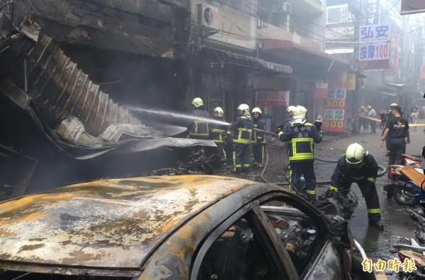 台中市消防局呼籲,火警發生時切忌向上逃,因為「一般人根本跑不贏濃煙」。(資料照,記者廖耀東攝)