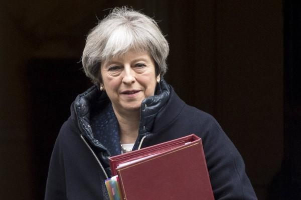 英媒《獨立報》(Independent)透露,由於俄國拒絕解釋斯克里帕(Sergei Skripal)昏迷案,英首相梅伊正考慮以「經濟戰」制裁俄國。(歐新社)