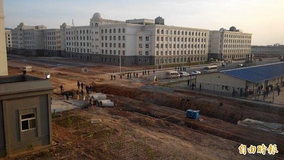 越南當局今(30)日指出,台塑越南河靜煉鋼廠確實排放汙水至附近海域,據悉,台塑對此認賠5億美元(折合台幣約161億元)。(資料照,記者張慧雯攝)