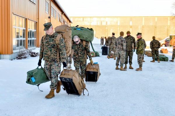 北歐國家挪威已表示,該國將要求華盛頓明年起大幅增加臨時部署在挪威進行訓練的美國海軍陸戰隊人數,從330人增加到700人。圖為2017年1月,美軍陸戰隊抵達挪威。(路透)