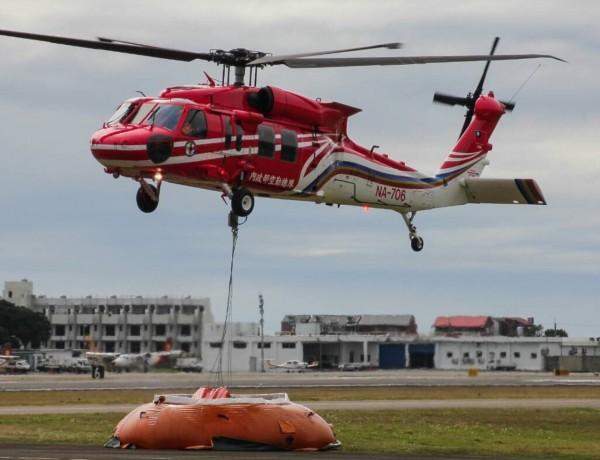 飛安會已掌握706黑鷹直升機黑盒子位置。(空勤總隊勤務第三大隊第三隊提供)