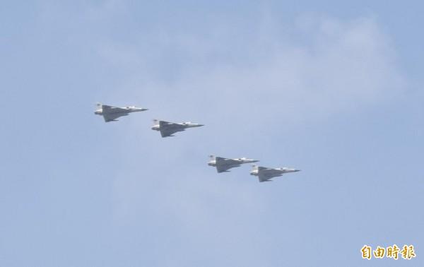 空軍今晚間表示,幻象戰機今日已經完成全機隊特檢任務,並將恢復戰訓任務。(資料照,記者王駿杰攝)