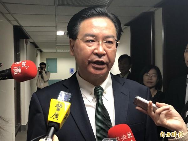 外交部長吳釗燮表示,日前台灣海釣船在重疊經濟海域被日本公務船發射水砲驅趕,15、16日的台日漁業委員會上一定會討論該水域,我方不會示弱。(資料照)