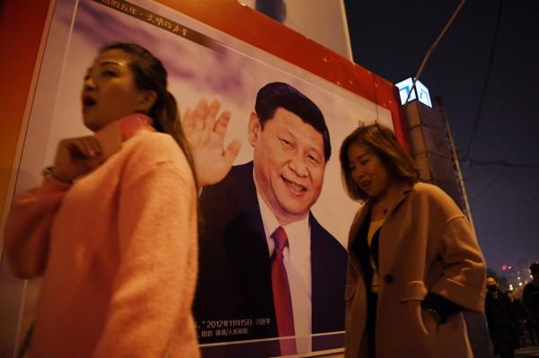 中國政府為確保「主旋律」陣地,發下通知要在全國5萬多個影廳中,選出5000個組建一條「人民院線」。(法新社)