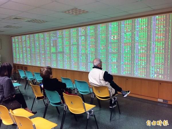 台股碰上北韓搗「彈」,法人:有助清洗籌碼。(資料照,記者王孟倫攝)