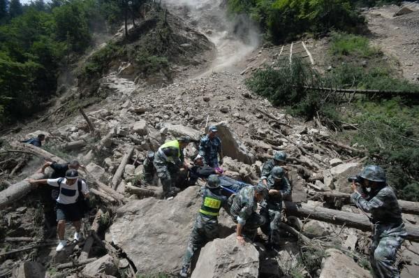 中國四川省知名觀光景點九寨溝,8日晚間發生規模7強震,造成多人傷亡、景區內多家飯店損毀。(路透)