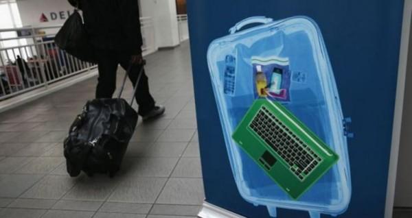 傳美國當局正在擬定新的飛安規定,將禁止從中東或北非地區飛往美國的旅客攜帶大型電子產品登機,但美國國土安全部拒絕對此事回應。(圖擷取自BBC)