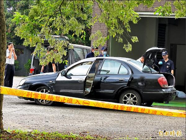 路過車輛行車記錄器拍下莊育賢藏屍車廂,自撞後逃逸。(賴姓民眾提供)