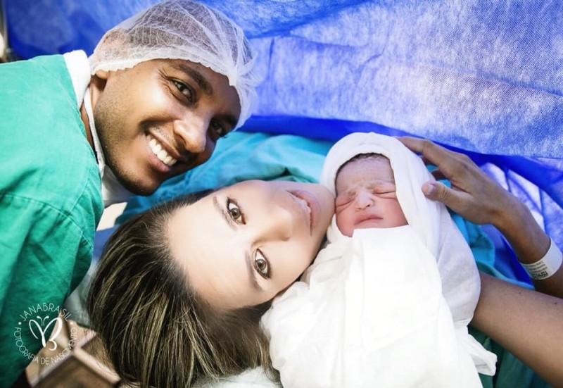 諾亞出生後,母子均安。(圖擷自Monyck Valasco臉書)