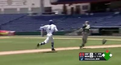 棒球》夾殺夾出場內全壘打  這跑壘合理嗎?!