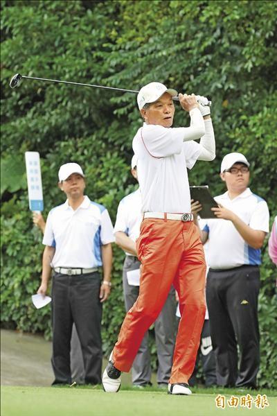 國寶謝敏男 74歲打71桿