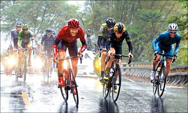 環台賽╱黃袍加身 羅比雨中登基