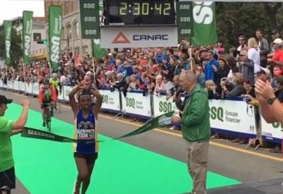 馬拉松》再度抗議! 又有衣索比亞跑者雙手交叉高舉 (影音)