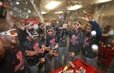 MLB》培瑞茲關鍵陽春砲 印地安人睽違9年分區封王