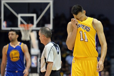 NBA》不甘當第15人 易建聯回中國取暖