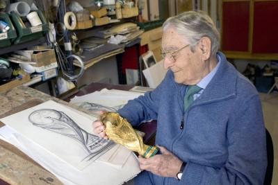 足球》世界盃「大力神盃」設計者過世 享壽95歲