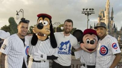 MLB》小熊慶封王 造訪迪士尼樂園球迷樂歪(影音)