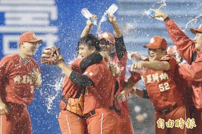 曾經離開棒球四年 王政浩遞補進經典賽名單