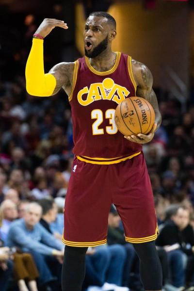 NBA》爆氣怒譙高層 詹姆斯澄清:我不是對他們生氣