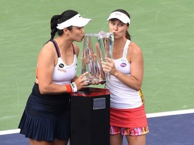 網球》笑吻WTA第19 冠  詹詠然期待邁阿密風雲再起
