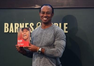 高爾夫》伍茲出新書 一本喊價破萬