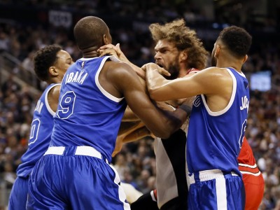 NBA》場內上演全武行 伊巴卡、羅培茲各禁賽1場