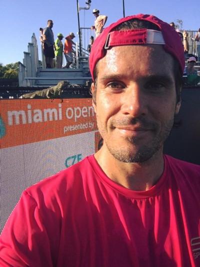 網球》大蜥蜴亂入鬧場 邁阿密名人男網賽中斷
