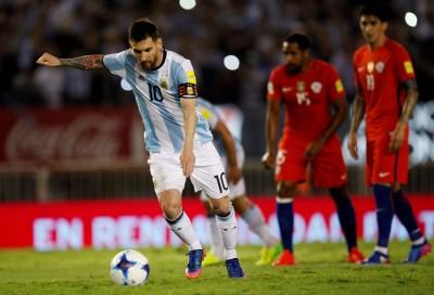 世界盃資格賽》梅西12碼罰球建功 阿根廷重返前3名 (影音)