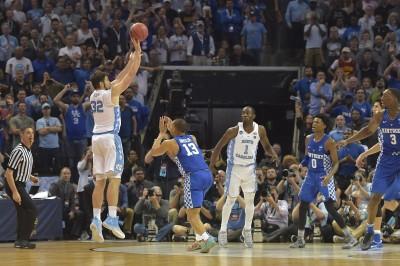 NCAA》關鍵跳投絕殺 北卡氣走肯塔基晉4強 (影音)