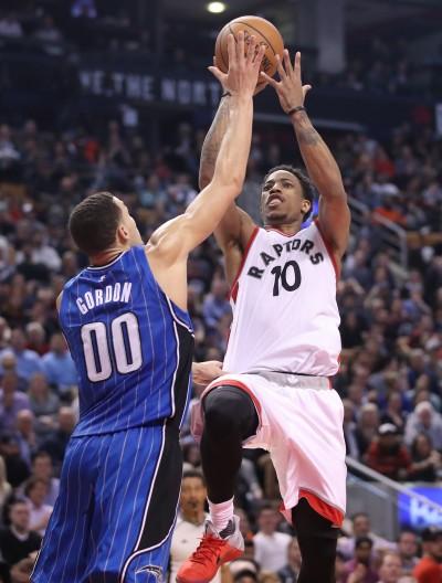 NBA》德羅森帶頭轟 暴龍6連勝穩居東部第4