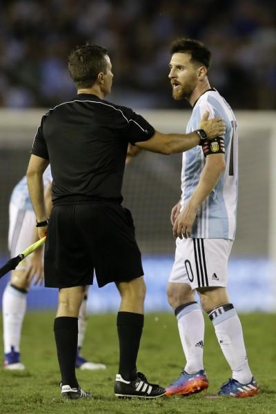 世足》梅西罵裁判被禁賽4場 阿根廷戰力告急