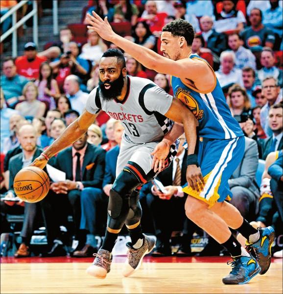 NBA》勇士連三季60勝 教頭最快200勝