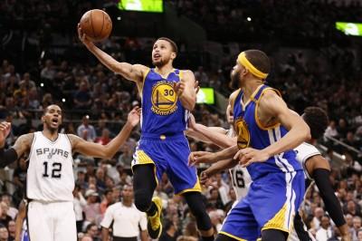 NBA》首節落後22分 勇士照樣逆轉馬刺收下9連勝