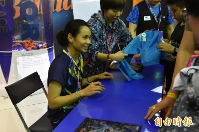 羽球》球后簽名會與林李大戰同登場 球迷排隊力挺戴資穎