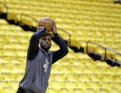 NBA季後賽騎士馬刺拚聽牌 今日賽事預告與轉播