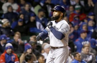MLB》旅韓巨砲表現太狂 小熊懷疑他用禁藥