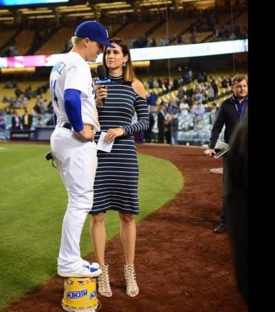MLB》正妹記者高得嚇人 球員幽默化解尷尬(影音)