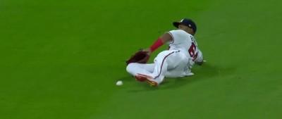 MLB》這球接殺?最惡裁判巴克納又亂判(影音)
