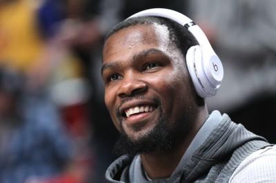 NBA》「轉隊話題」槓上杜蘭特 湖人傳奇球星喊冤