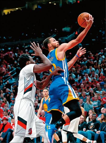 NBA》柯神甩尾 勇士聽牌