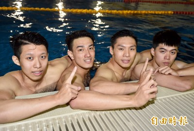全大運》輔大完美接力!游破400自接台灣紀錄