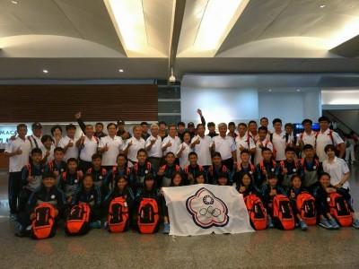 田徑》台灣青少年代表隊出征泰國 巧遇台籍女機師領航