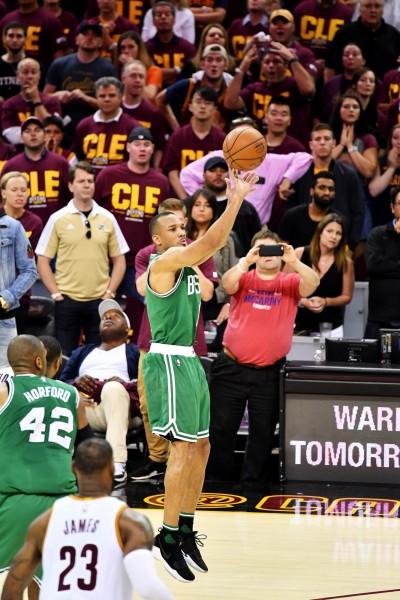 NBA》0.1秒神奇三分彈氣走騎士 布萊德利:我們還沒出局